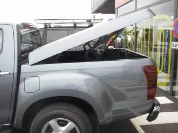Installation d'un couvre benne électrique sur véhicule pick up sur le Bassin d'Arcachon