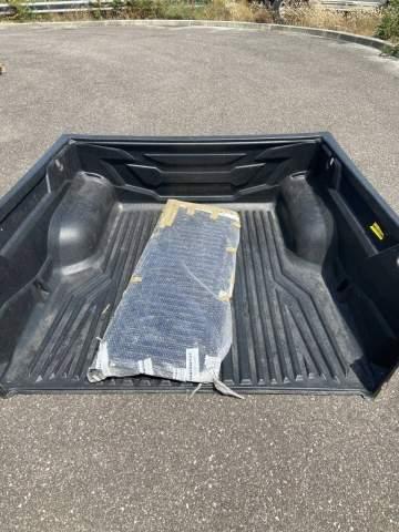 Acheter un bac de benne avec rebords pour véhicule pick up ISUZU D-Max proche des Landes