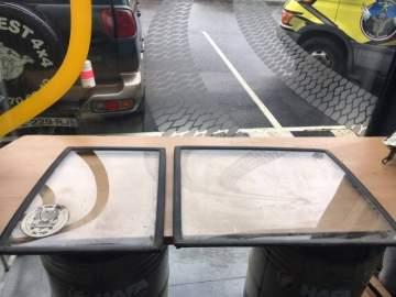Vente de vitres arrière d'occasion pour véhicule 4x4 à Biganos proche des Landes